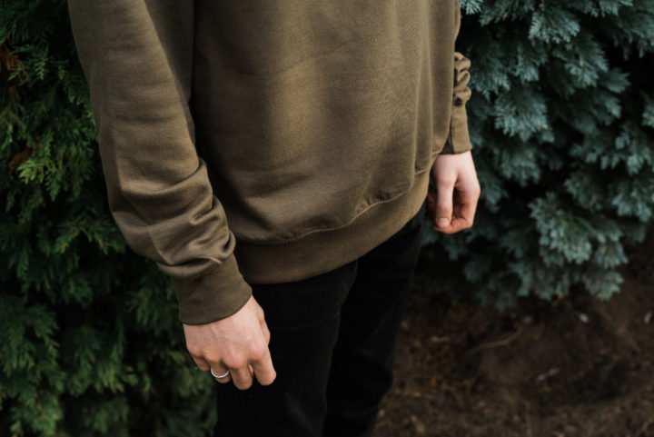 Hand Of jumper olive green detail front